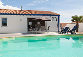 Vendee villa with covered pool, sleeping 4