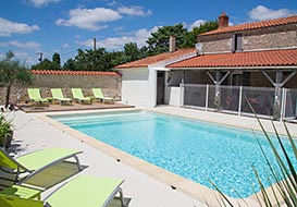 Vendee farmhouse with private fenced pool