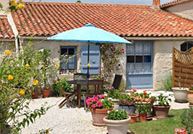 Vendee bed and breakfast room for 2 to 4
