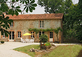 6 bedroom historic holiday home in rural Vendee